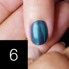 OPI Chrome Effects Powders Anwendung mit GelColor Step 6
